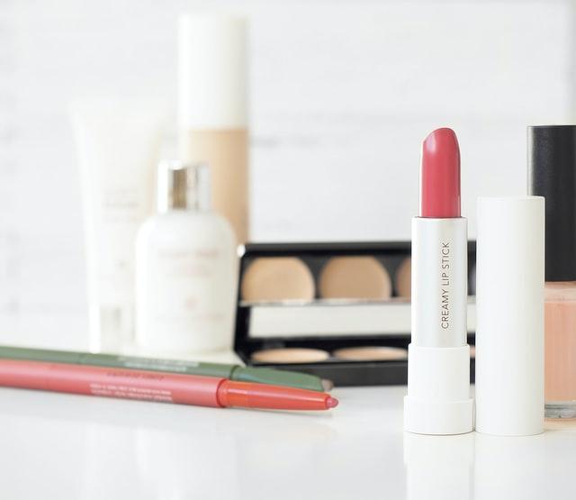Kosmetyki kolorowe do cery mieszanej