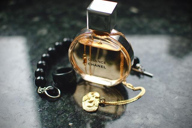 Jak rozpoznac podrabiane perfumy