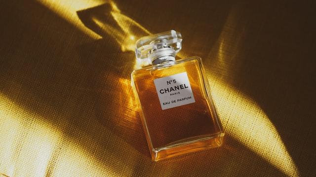 Kobiece perfumy idealne na randke