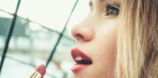 Jaka szminka dla blondynki